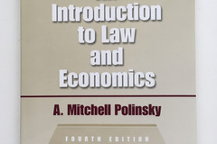 Bücher / Literatur: An introduction to law and economics